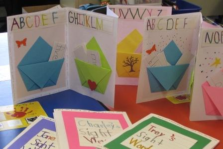 word   Sight Kindergarteners Pockets and Books for Word Bookbinding  book she  sight Playful