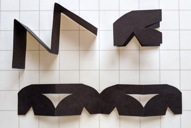 Using an accordion fold to make Vertical Reflection pattern
