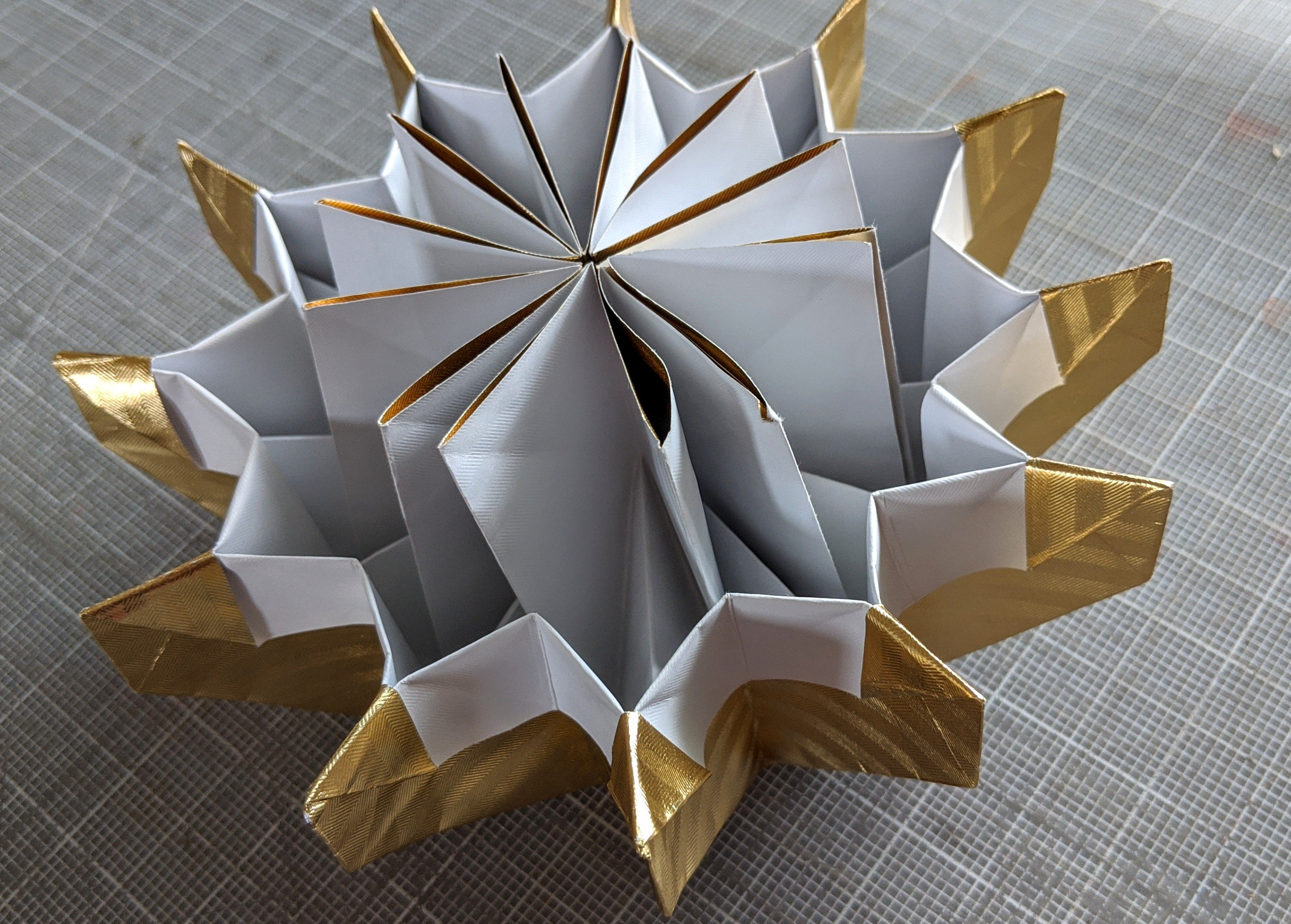 20 cool origami tutorials kids and adults will love! - It's Always ... | 2143x2993
